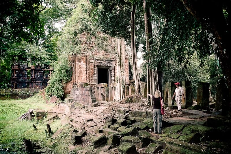 A tour of angkor temples Koh Ker