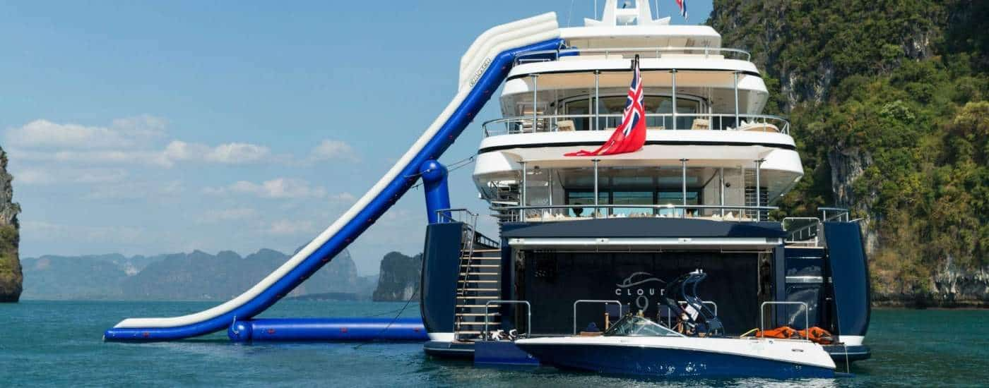 Yacht hire in France